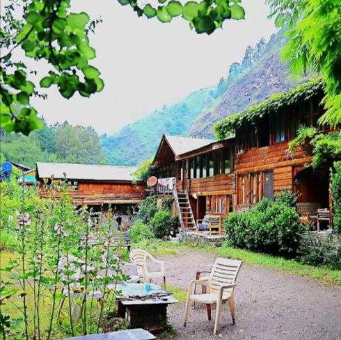 Raju's cottage Tirthan valley